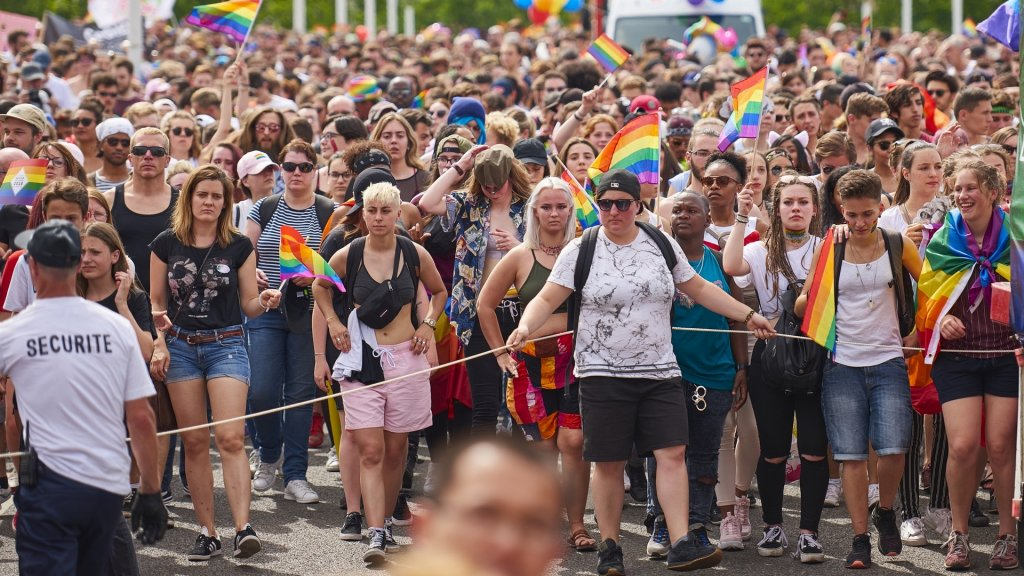 gay pride lyon